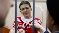 Die ukrainische Kampfpilotin Nadija Sawtschenko im Gefängnis in Moskau.