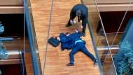 Britischer EU-Abgeordneter nach Streit schwer verletzt