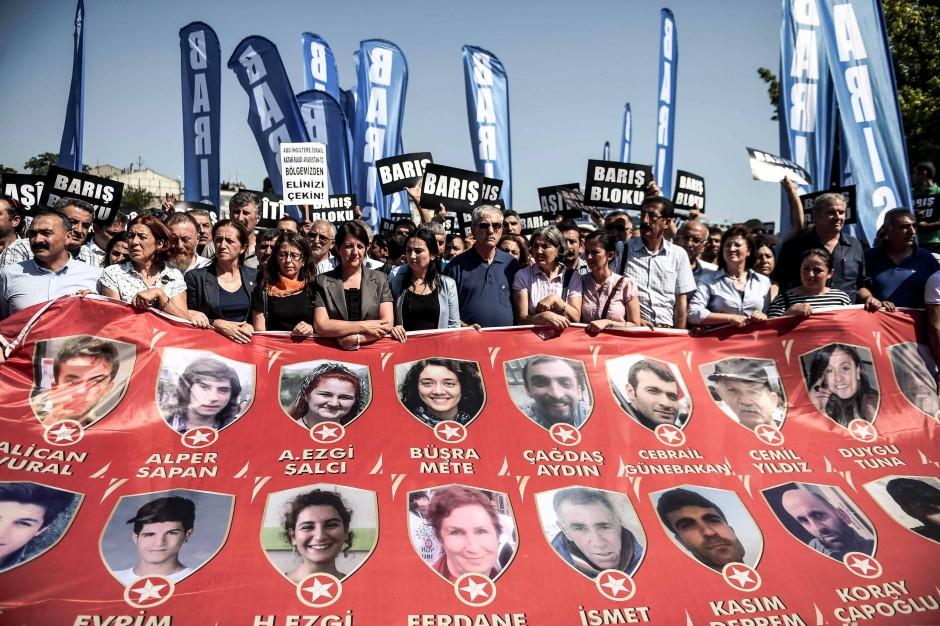 Trauerkundgebung für die Opfer von Suruc am Sonntag in Istanbul