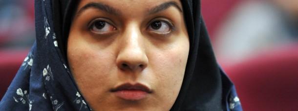 Rejhaneh Dschabbari im Jahr 2008 vor Gericht