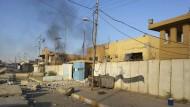 Fast unbeobachtet von der Öffentlichkeit schreitet der IS im Irak voran. Auch die Stadt Hit in der Provinz Anbar ist von den Gefechten betroffen