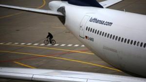 Piloten setzen Streik am Donnerstag fort