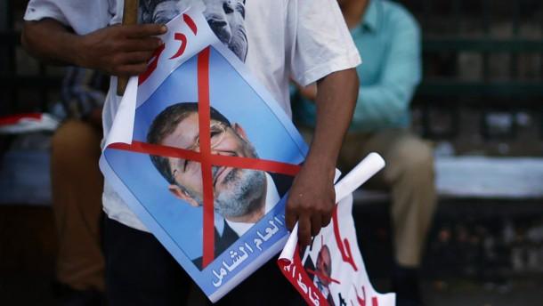 Absetzbewegungen in Mursis Regierung