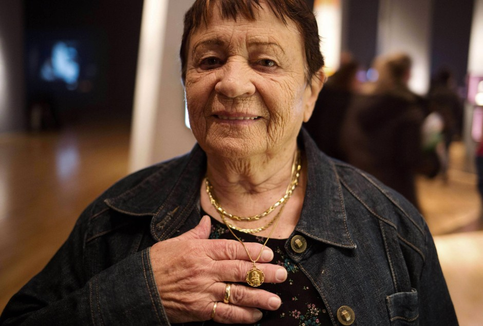Marta Goren in der Ausstellung in Yam Vashem.