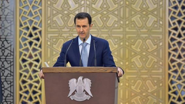 Assad nach Den Haag