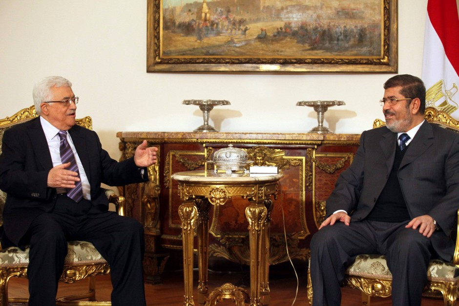 Präsidententreffen: Fatah-Führer Mahmud Abbas (links) bei Muhammad Mursi
