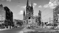 Gedächtniskirche Berlin nach Kriegsende und heute