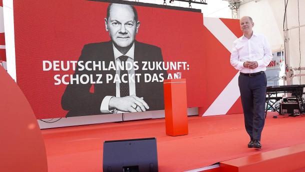 Laschet und Scholz grenzen sich in Steuerpolitik voneinander ab