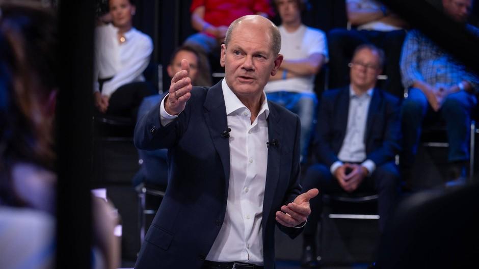 Olaf Scholz, Kanzlerkandidat der SPD und Bundesfinanzminister, am Dienstagabend im ZDF
