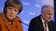 Angela Merkel und Horst Seehofer: Wirklich lieb haben sich die beiden noch immer nicht.