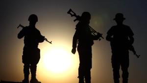 EU befürwortet Waffenlieferungen an Kurden