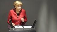 Merkel sieht Griechenland weiter auf schwerem Weg