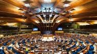 Die Parlamentarische Versammlung des Europarats sitzt in Straßburg.
