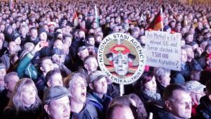 Maas macht Demonstranten für Straftaten mitverantwortlich