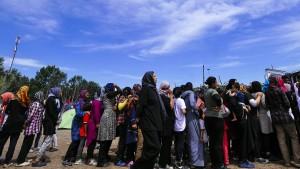 Die Umgehung des Grenzzauns