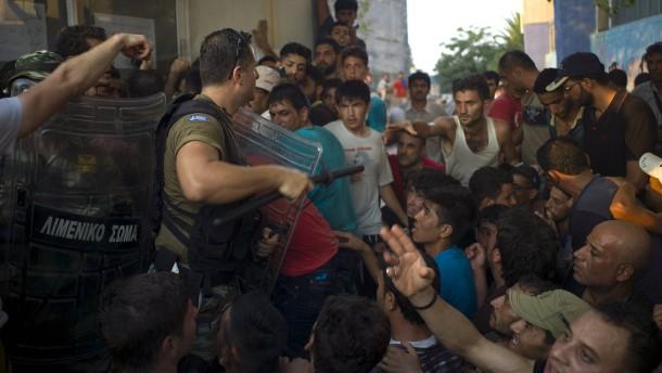 Rangeleien und Schlägereien auf Kos und Lesbos