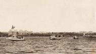 Eine türkische Minensuchflotille verlässt während des Ersten Weltkriegs den Hafen von Konstantinopel (heute Istanbul)