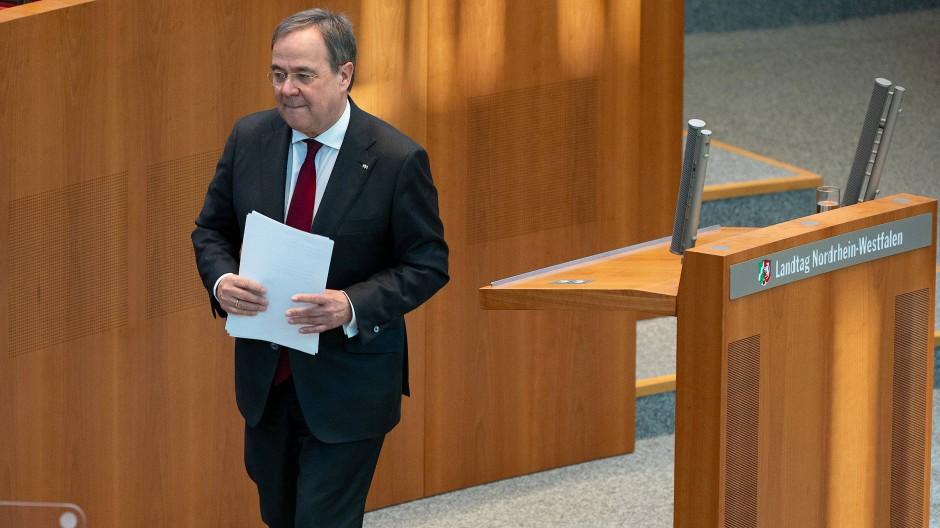 Wer folgt ihm nach? Armin Laschet nach einer Rede im Landtag in Düsseldorf Ende März