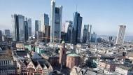 Für manche eine Walt-Disney-Landschaft: Vom 9. Mai an ist die neue Frankfurter Altstadt mit ihren Rekonstruktionen und Neubauten frei zugänglich.