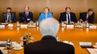 Kommen sie noch einmal gemeinsam an den Tisch: Seehofer und Merkel