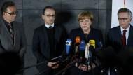 Nach dem Anschlag in Berlin muss sich nicht nur Bundeskanzlerin Angela Merkel den Vorwürfen stellen. Auch die Sicherheitsbehörden stehen in der Kritik.