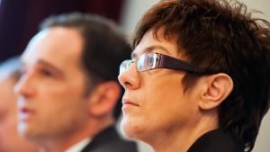 CDU und SPD stellen Koalitionsvertrag vor
