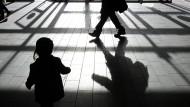 Kommission kritisiert Parteien: Kindesmissbrauch spielt in Wahlprogrammen kaum eine Rolle