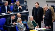 Die AfD-Fraktion im deutschen Bundestag berät sich nach der gescheiterten Wahl von Mariana Harder-Kühnel zur Bundestagsvizepräsidentin.