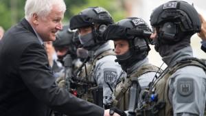 Seehofer sagt Rassismus-Studie bei Polizei ab