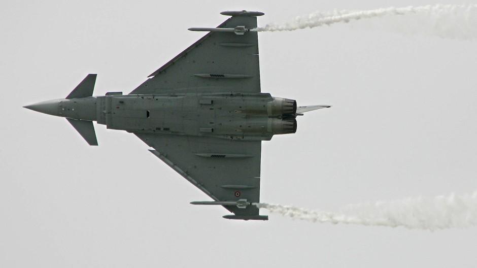 Ein Eurofighter im Juni 2005 in Paris
