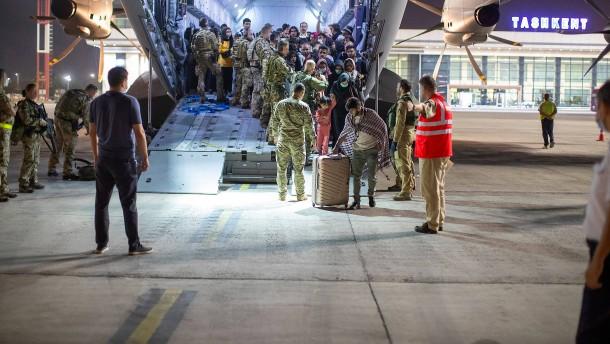 Bundeswehr fliegt mehr als 600 Schutzbedürftige aus