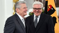 Frank-Walter Steinmeier (rechts) mit Bundespräsident Joachim Gauck