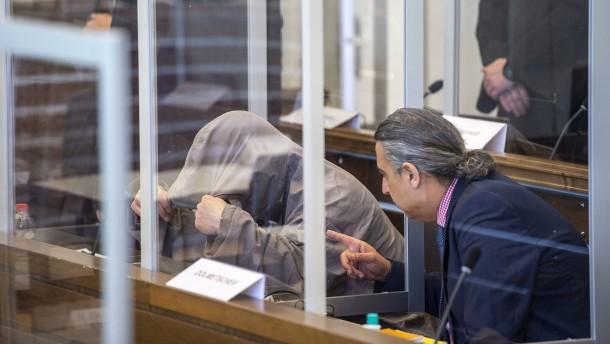 Angeklagt wegen Folter in 4000 Fällen