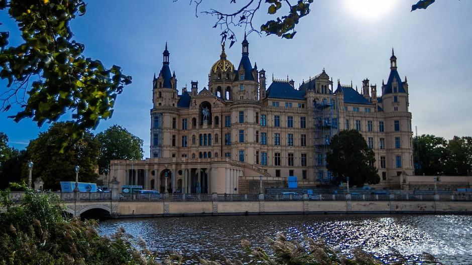Blick auf das Schweriner Schloss, den Sitz des Landtags