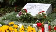Helmut Schmidt in Hamburg beigesetzt