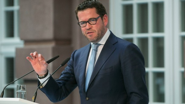 """Guttenberg soll sich für """"Augustus Intelligence"""" eingesetzt haben"""