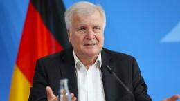 """Seehofer verzichtet auf Strafanzeige wegen """"taz""""-Kolumne"""