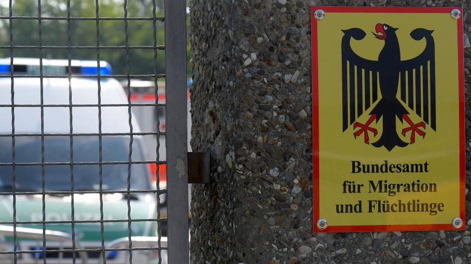 Zu den Adressaten der Drohschreiben gehörten auch Ankerzentren in Bayern.