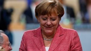 Merkel lässt ihre Zukunft offen