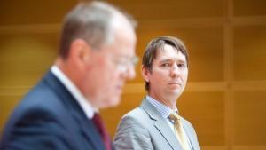 Steinbrück entlässt Sprecher