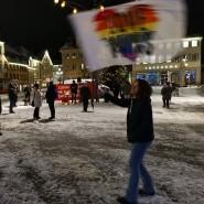 """""""Bis die Regierung den Lockdown beendet"""": Jeden Abend demonstrieren Kritiker der Corona-Politik auf dem Rathausplatz in Schwäbisch-Gmünd."""