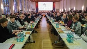 Überschattet von Kritik aus Köln