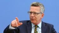 Opposition kritisiert de Maizières Vorschläge