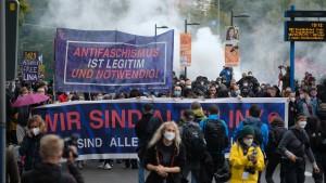 """Ausschreitungen bei Demonstration """"Wir sind alle LinX"""""""