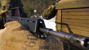 Wehrbeauftragter nimmt Heckler & Koch in Schutz