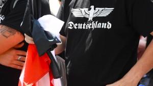 Razzien in Norddeutschland wegen Todeslisten