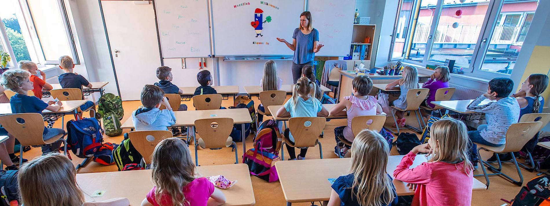 Leopoldina verlangt klare Konzepte für den Schulbeginn
