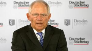 Schäuble warnt vor Überforderung des  Bundes