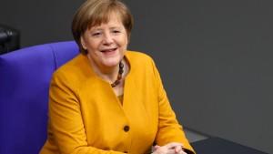 Mehrheit will, dass Merkel Kanzlerin bleibt