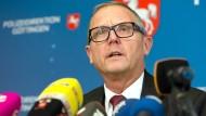 """""""Die Gefahrenlage war eindeutig"""", so der Göttinger Polizeipräsident Uwe Lührig nach der Festnahme zweier Verdächtiger."""